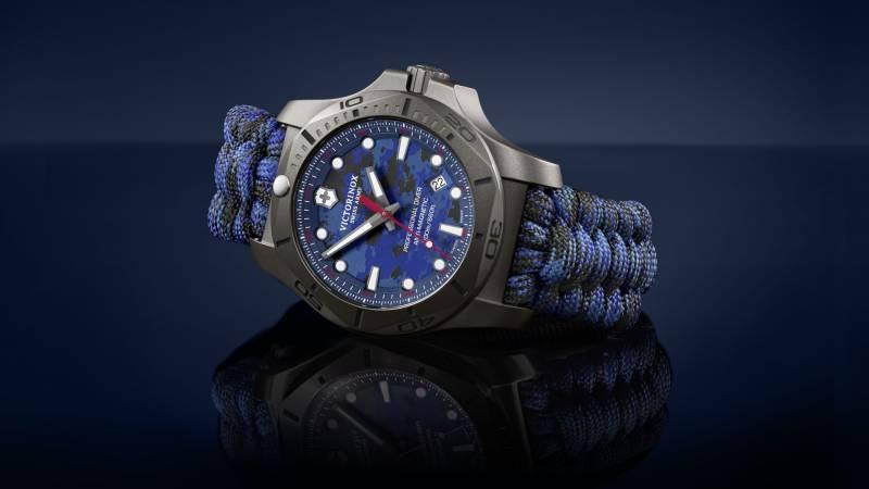 Megérkezett az I.N.O.X.Professional Diver Titanium modellje egyedi kék színű terepmintás számlappal és szíjjal. Tekintsétek meg ezt az izgalmas modellt.