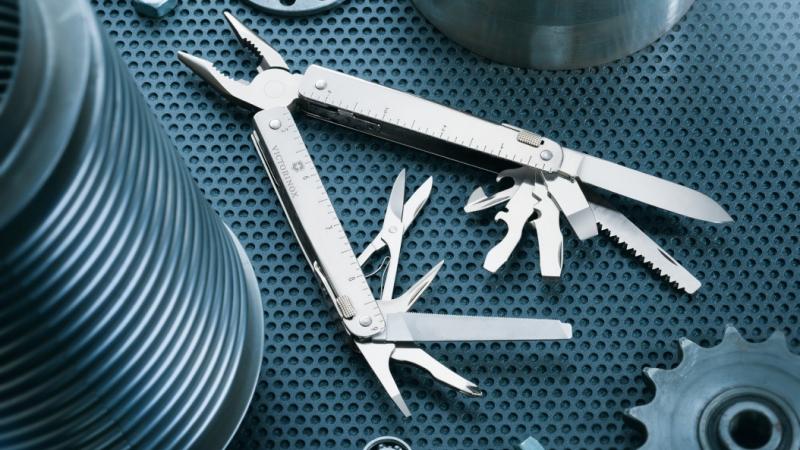 Swiss Tool szerszámkészletek
